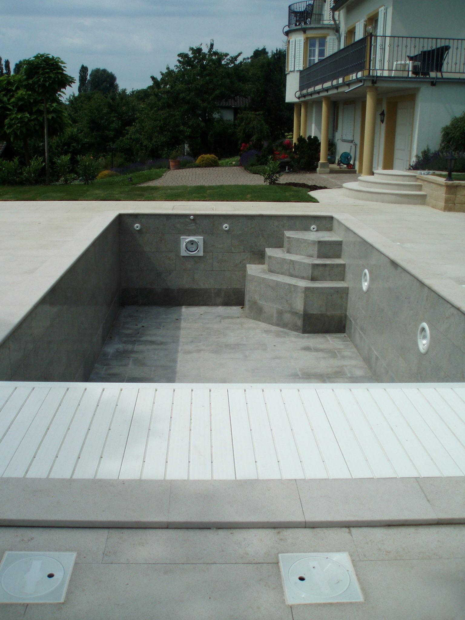 Photo piscine et dallage